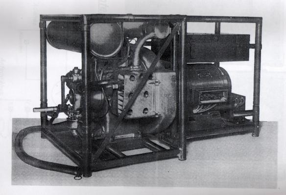 30M benzinmotoros áramfejlesztő.